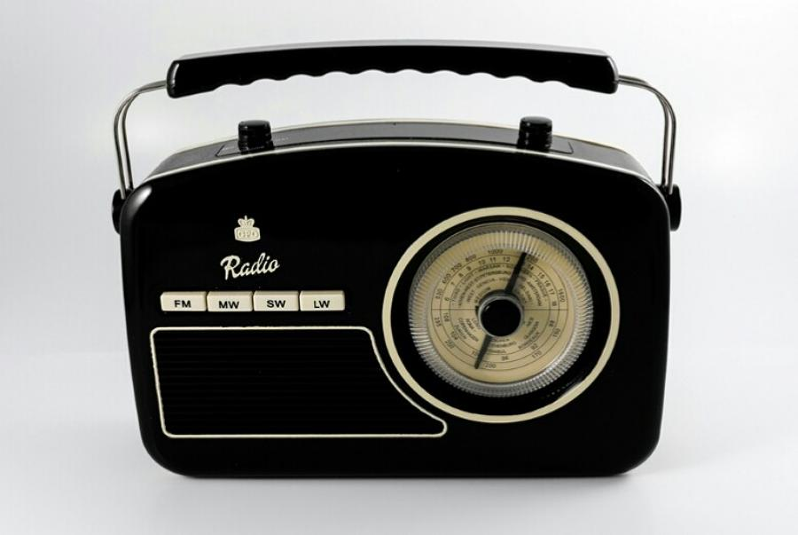 GPO Rydall Four Band Radio Black