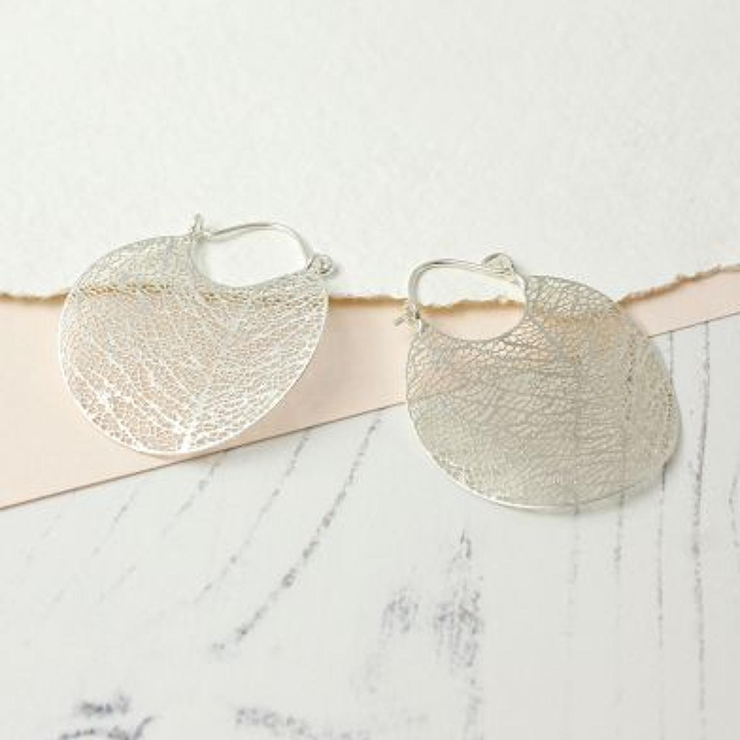 Scratched silver plated filigree delicate earrings