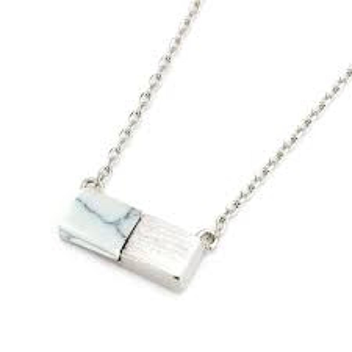 White Leaf - White turquoise bar necklace in silver plate
