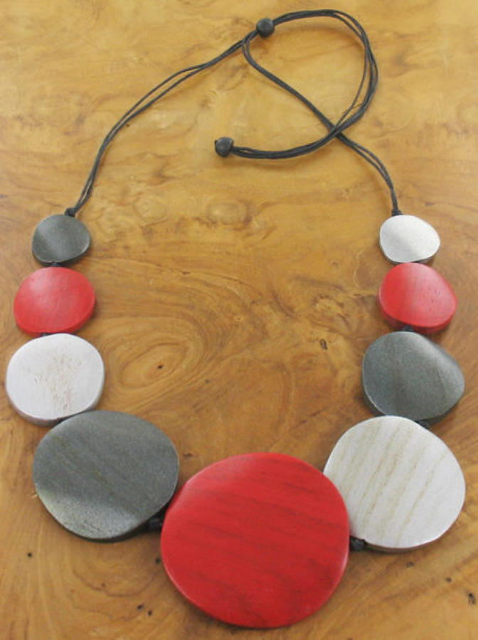 Suzie Blue - Graduated wooden disc necklace - Adjustable