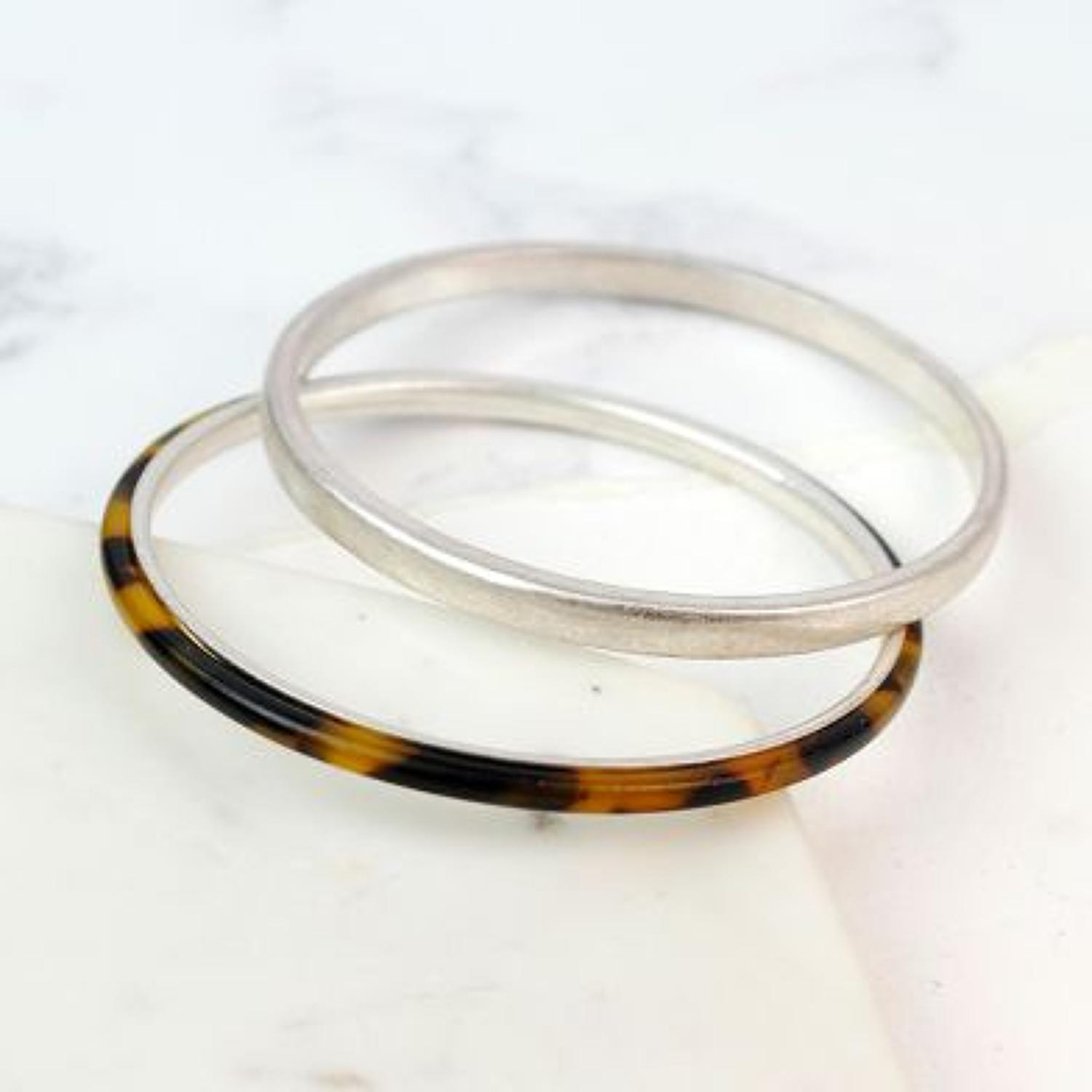 POM - Worn silver/tortoise shell 2 bangle set