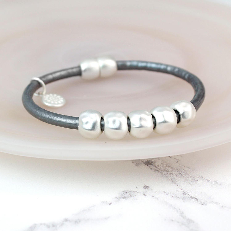 POM - Matt silver/grey bracelet with 5 silver rings