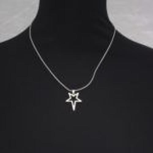 J & L - Silver star short necklace