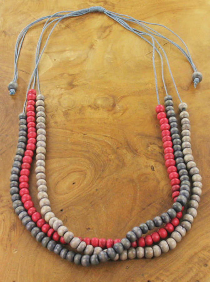 SB - Triple strand wooden necklace - Red / grey mix