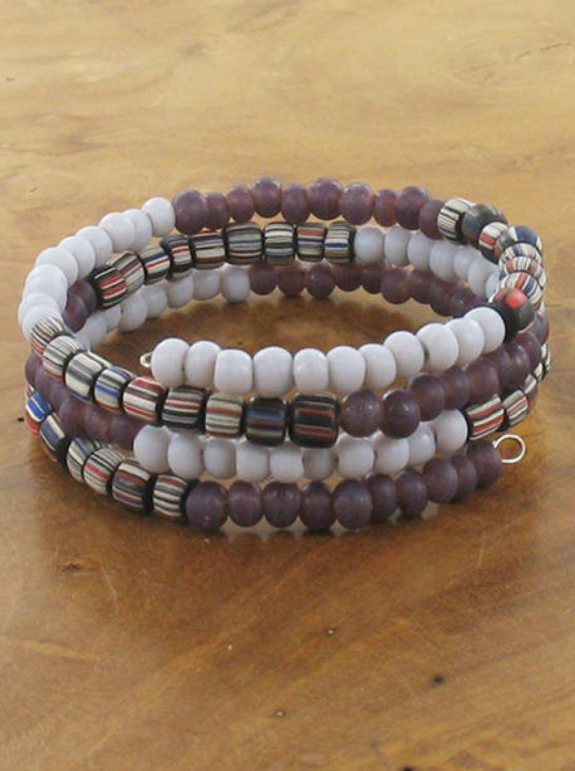 Suzie Blue - Spiral glass bead bracelet - Purple mix