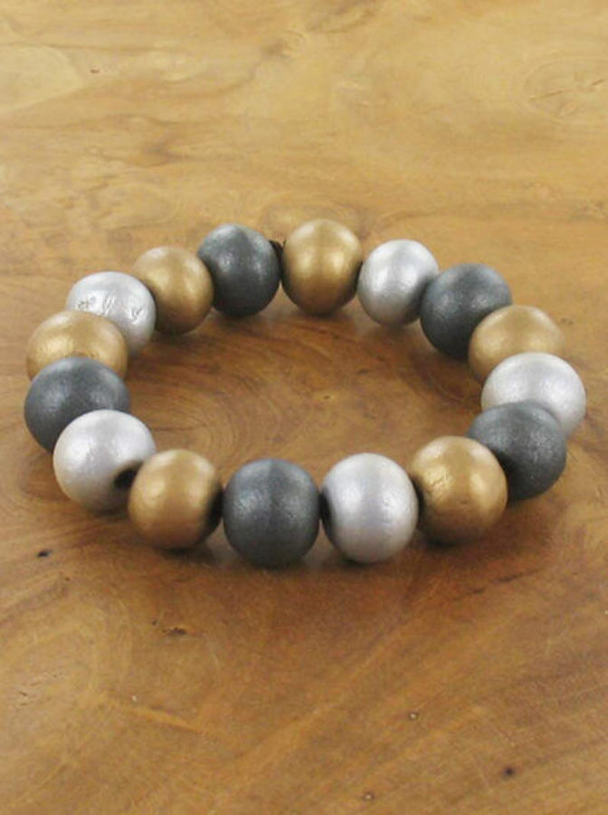 SB - Elasticated wooden ball bracelet
