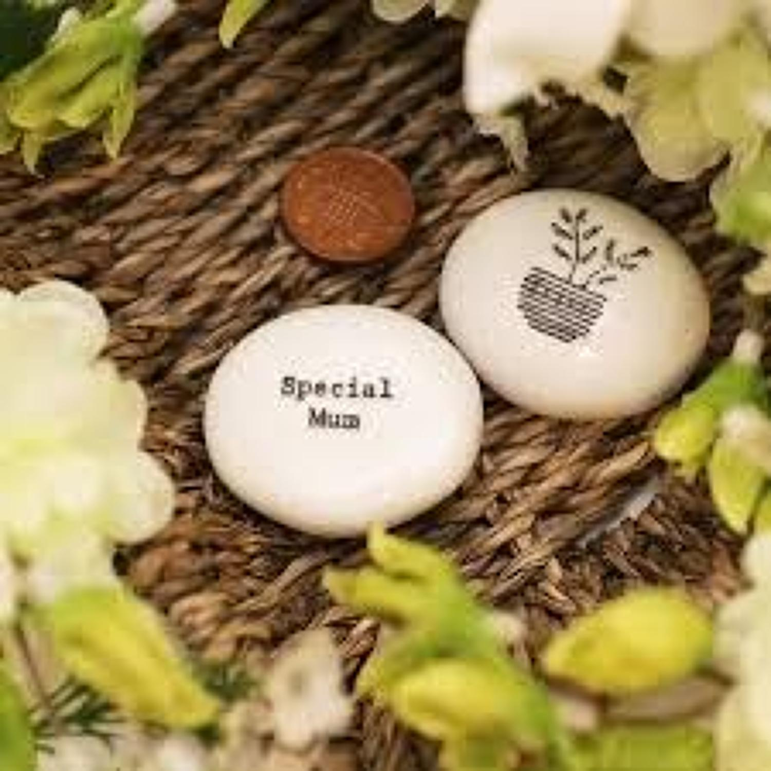 East of India - Porcelain pebble - Special Mum