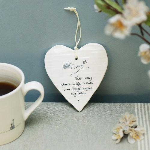 East of India - Wobbly porcelain hanging hearts - Take every chance
