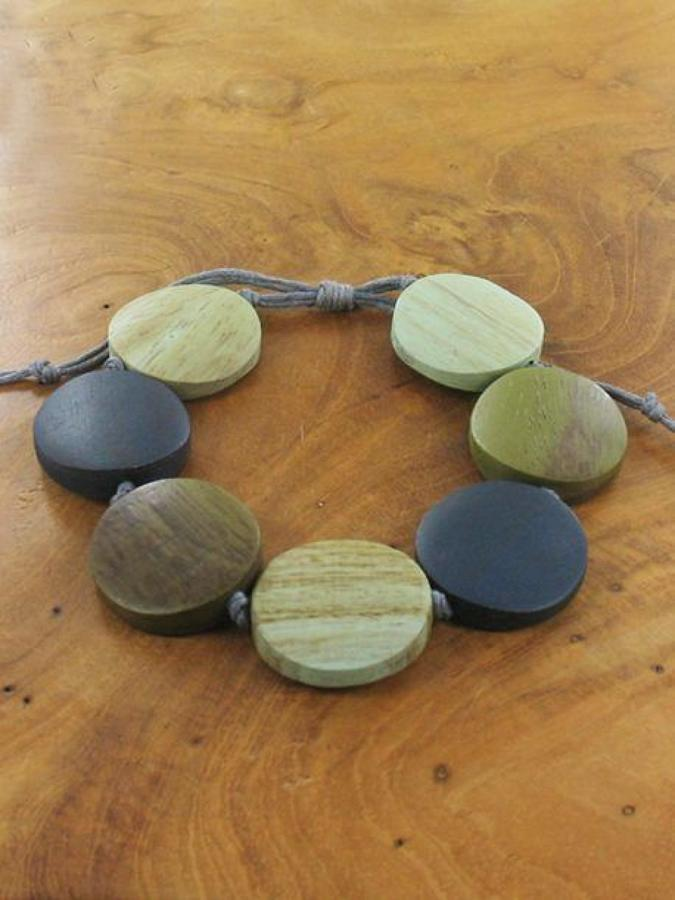 Suzie Blue - Adjustable wooden disc bracelet - Mint/Grey
